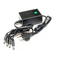 12Volt - 2000mA Gestabiliseerde adapter met 4 aansluitingen